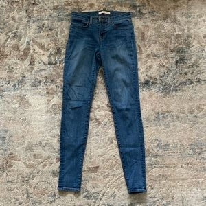 J Brand Super Skinny Jean in Blue Bell
